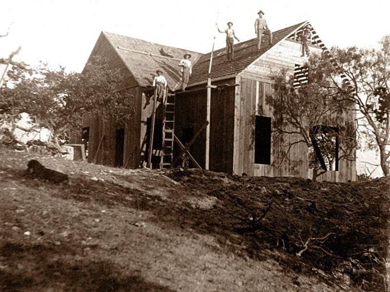 Albano building the new house, 1902