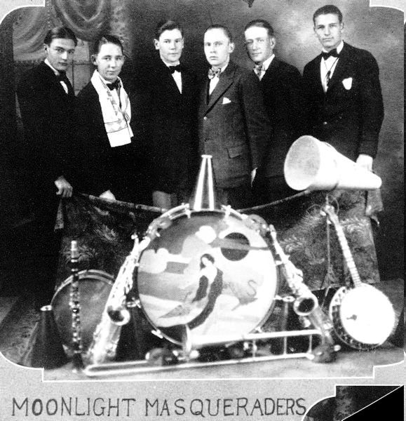 The Moonlight Masqueraders, 1927