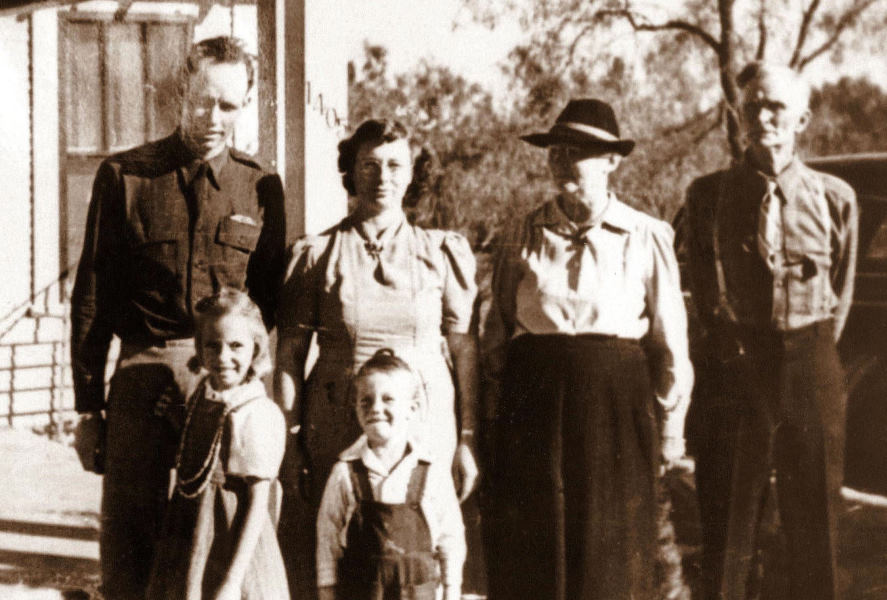 Herman & family, Grossmama and Grosspapa, 1941