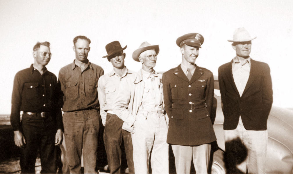 George, Herman, Roland, Grosspapa, Marion, and Ewald, November 9, 1942