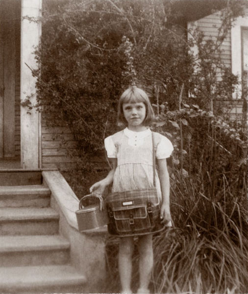 1945-09 Georgia Ruth is ready for school