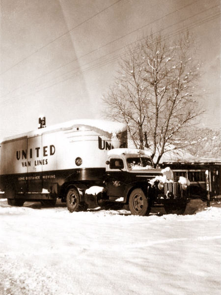 1945-12-14 Snowed in at the Hollywood Inn