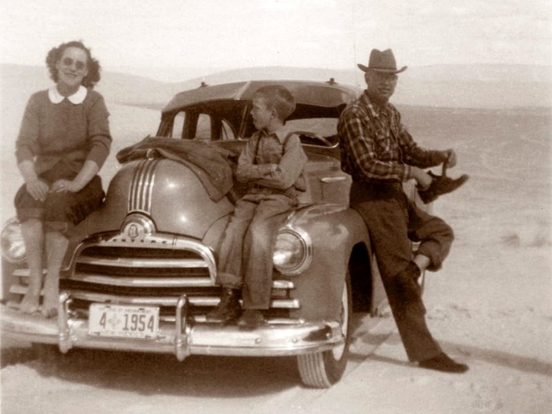 1949 George with A.J. and Ruth on an outing at White Sands