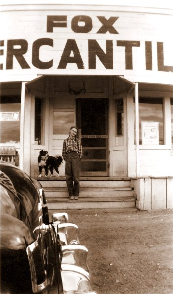 1951 Tippy and Georgia Ruth at Fox Mercantile