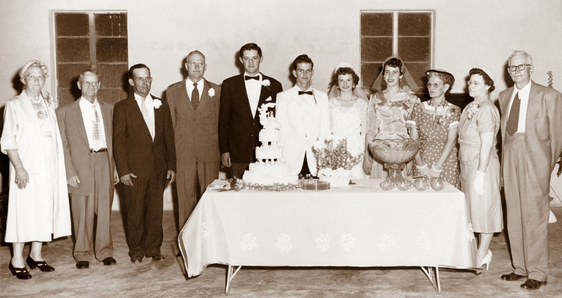 1955-06-06 Georgia Ruth and Jerry Chapman's wedding party